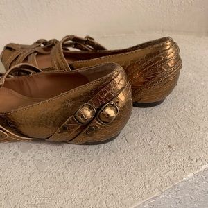Frye Shoes - FRYE Brown Caged Buckle Strap Flats sz7.5